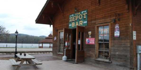 Sitting outside the Depot you have a great view of the Mississippi River.